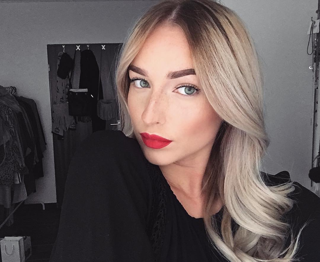 Makeup Ideas For Black Dress