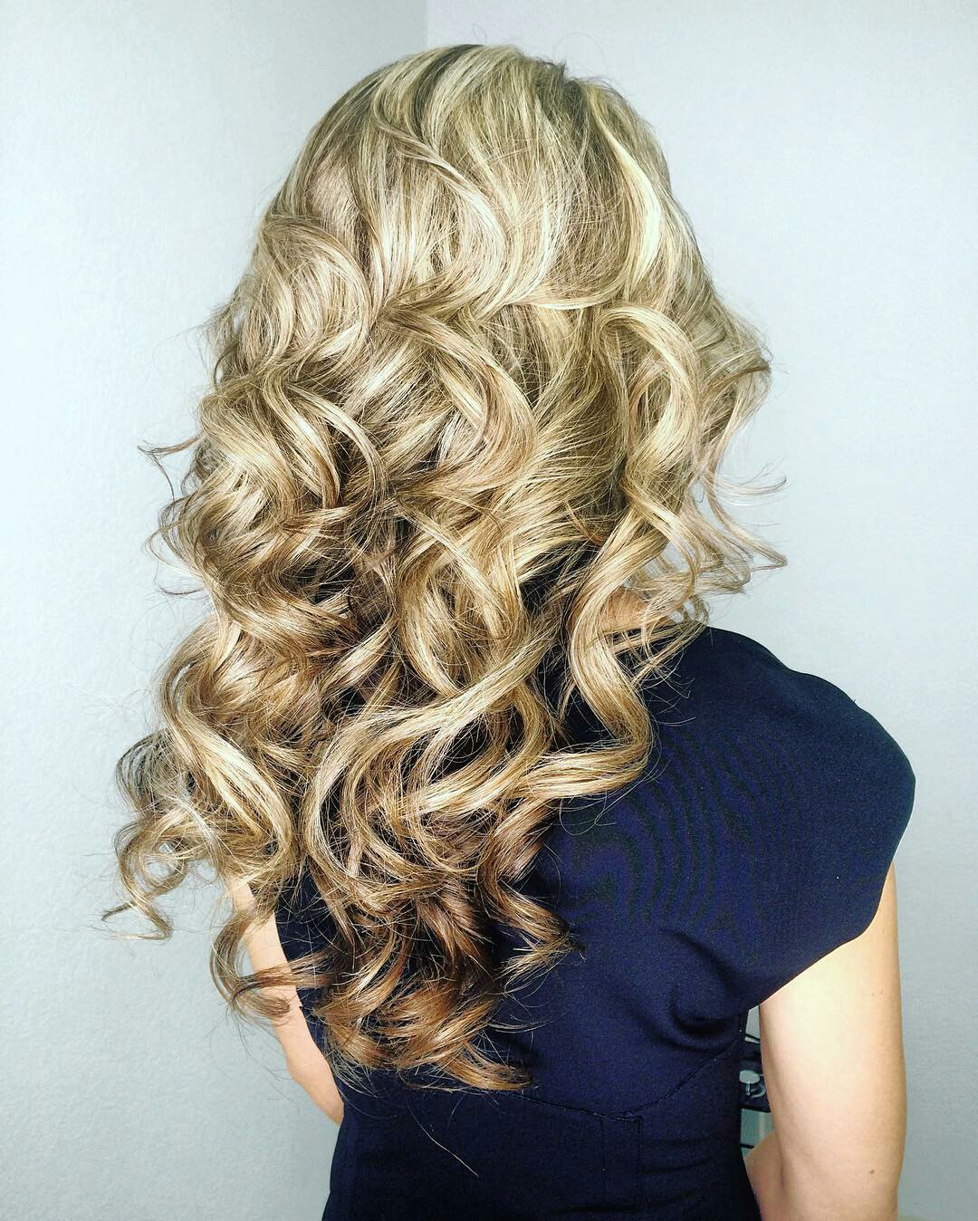 Loose Curls For Medium Hair: How to Curl Medium Length Hair  LadyLife
