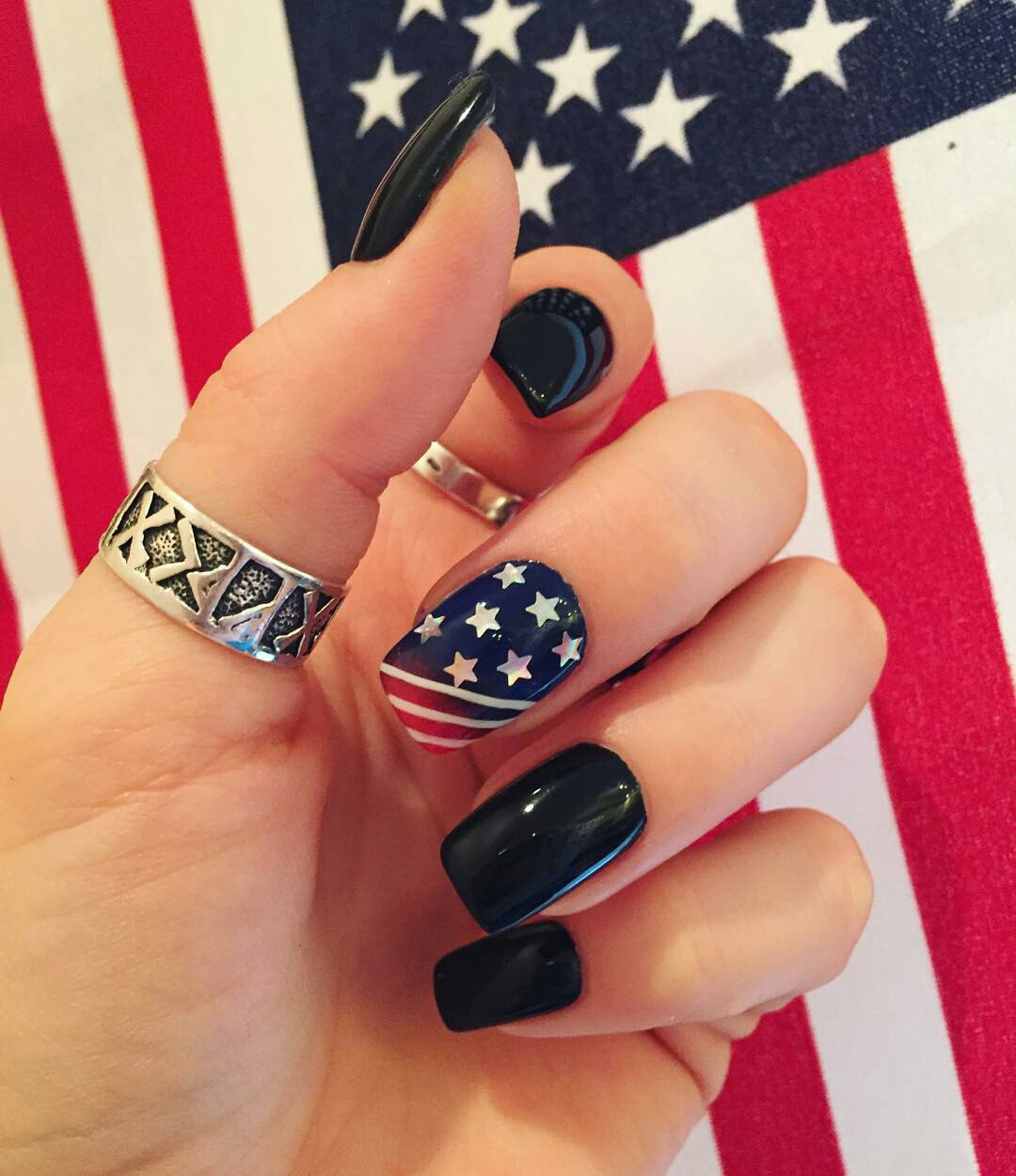 American Flag: Nail Art and Designs | LadyLife