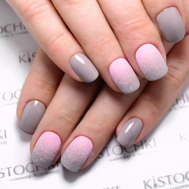 Gradient Nails Art Tutorial: How to Do Gradient Glitter Nails | LadyLife