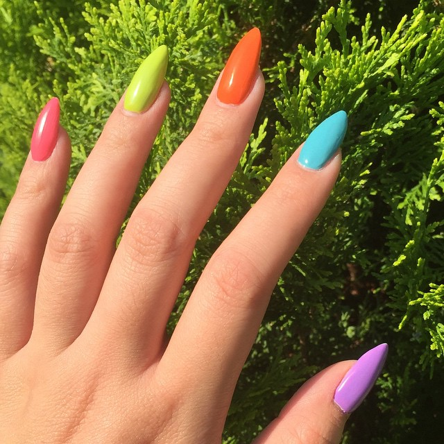 Multi Coloured Nails: New Trend and Best Designs | LadyLife