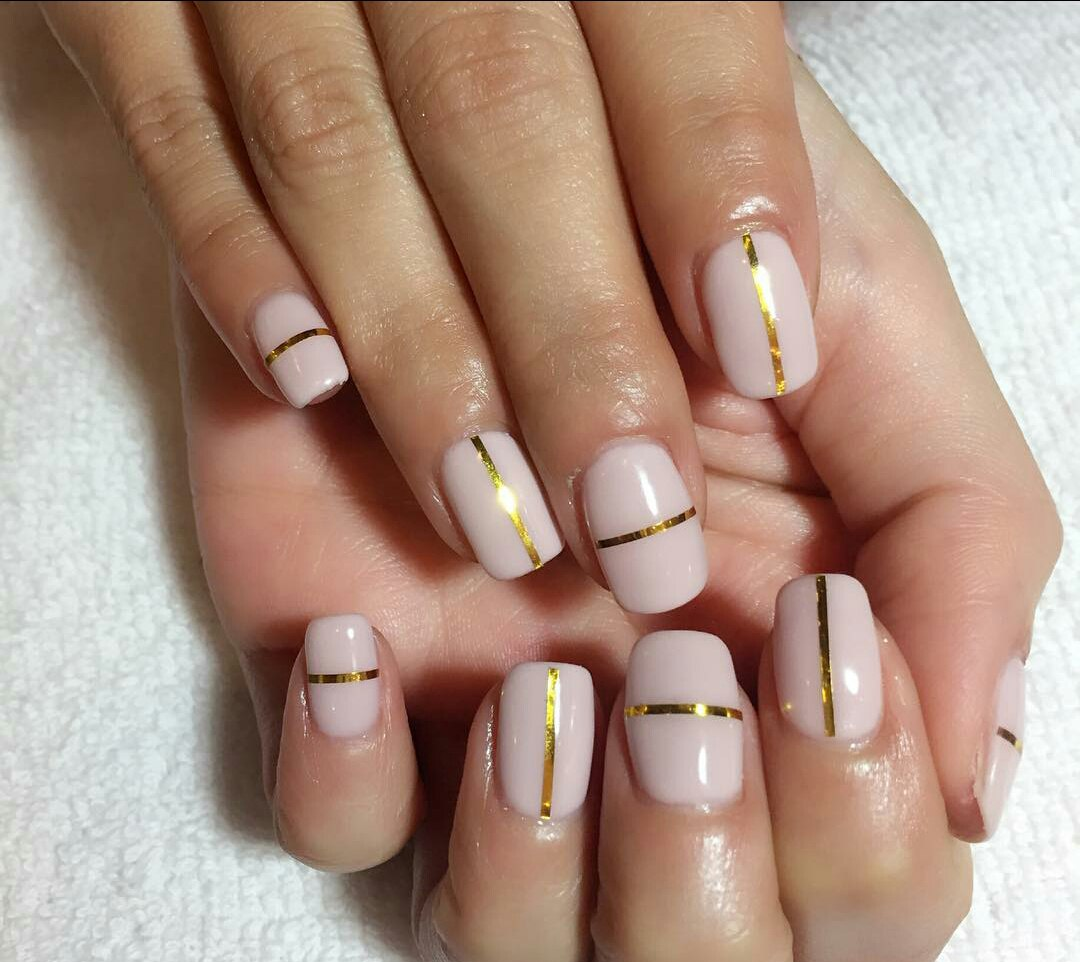 Nail Polish Strips: How to Use Nail Striping Tape with Gel Polish ...