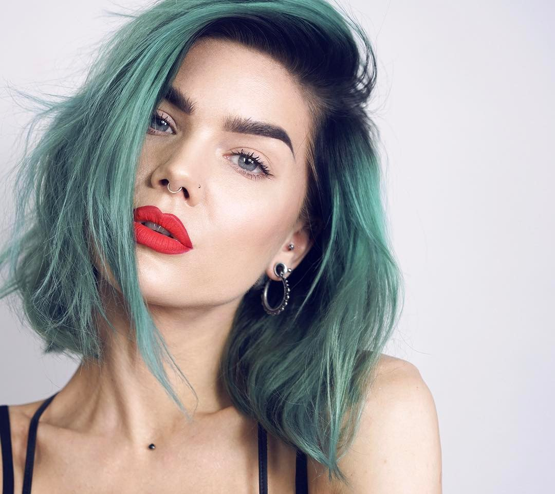 how to get bigger lips with makeup