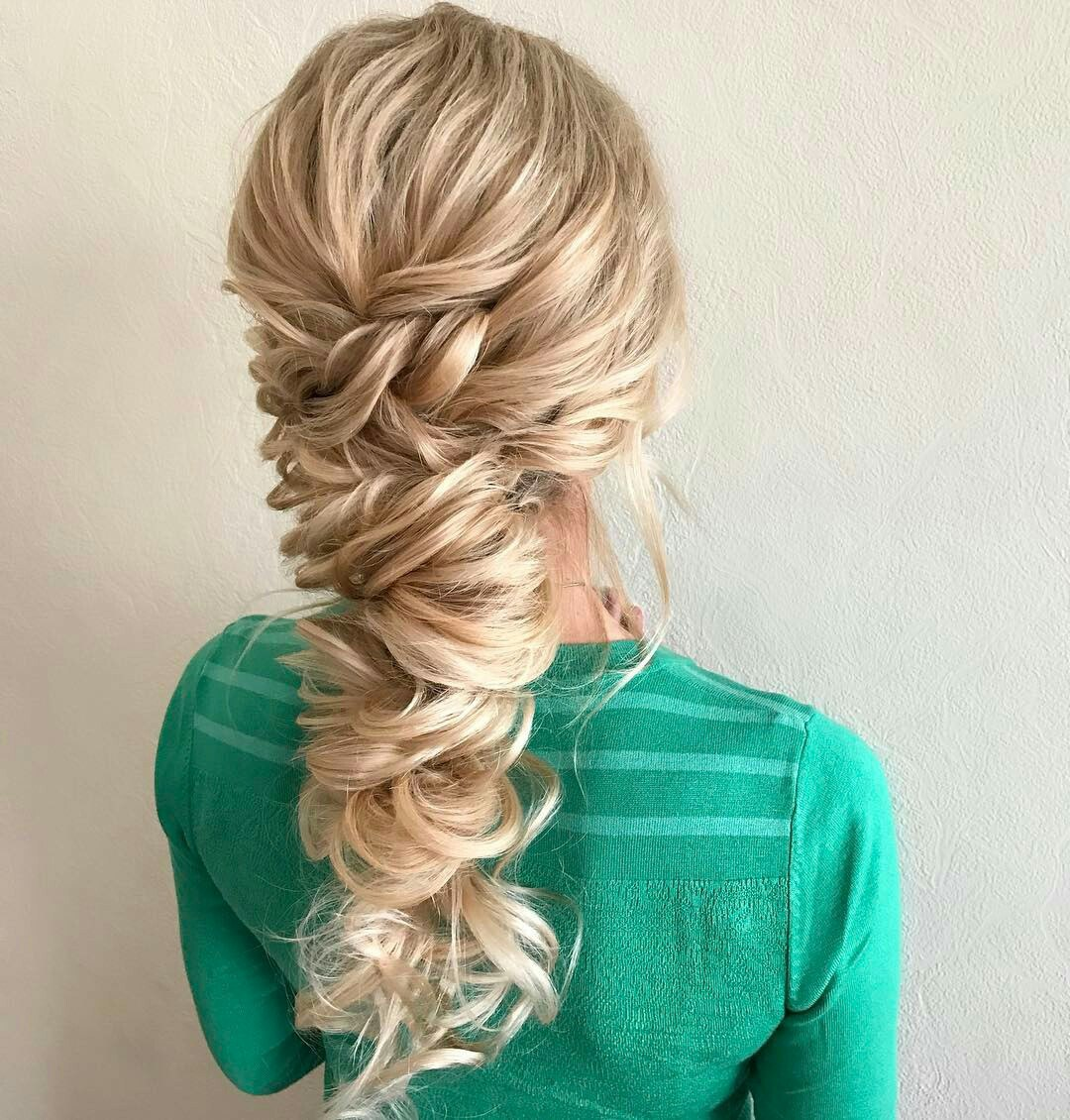 Hairstyle in the Greek style. How to make yourself