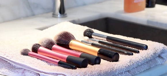 Following the simplest rules you can remove the remains of old cosmetics, fat, dirt, bacteria and dead skin cells. There are different ways of cleaning ...