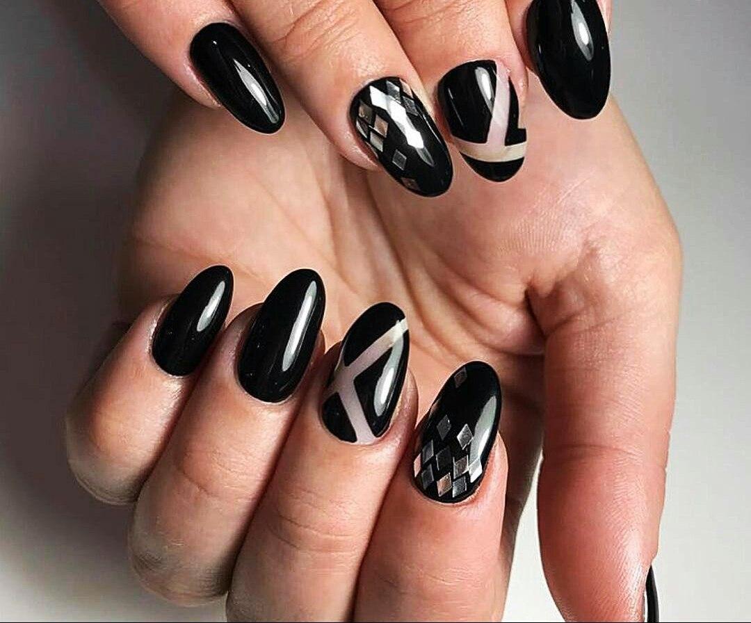 Shattered Glass Nail Art: Broken Glass Nail Designs | LadyLife