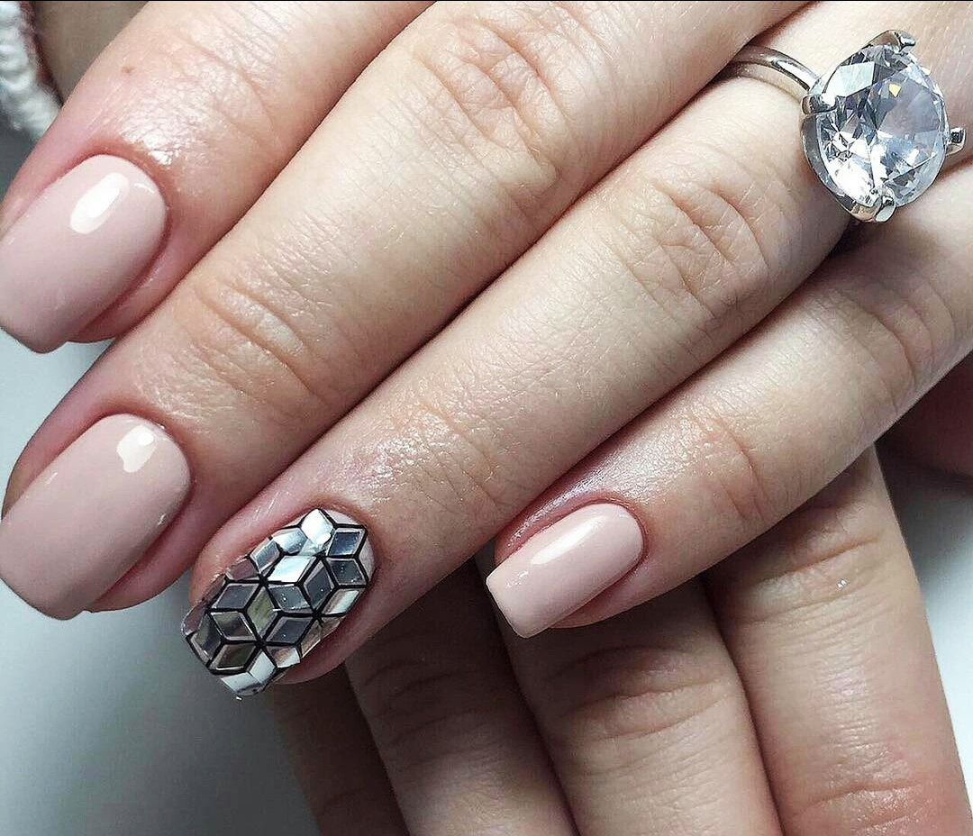 Shattered Glass Nail Art: Broken Glass Nail Designs | LadyLife