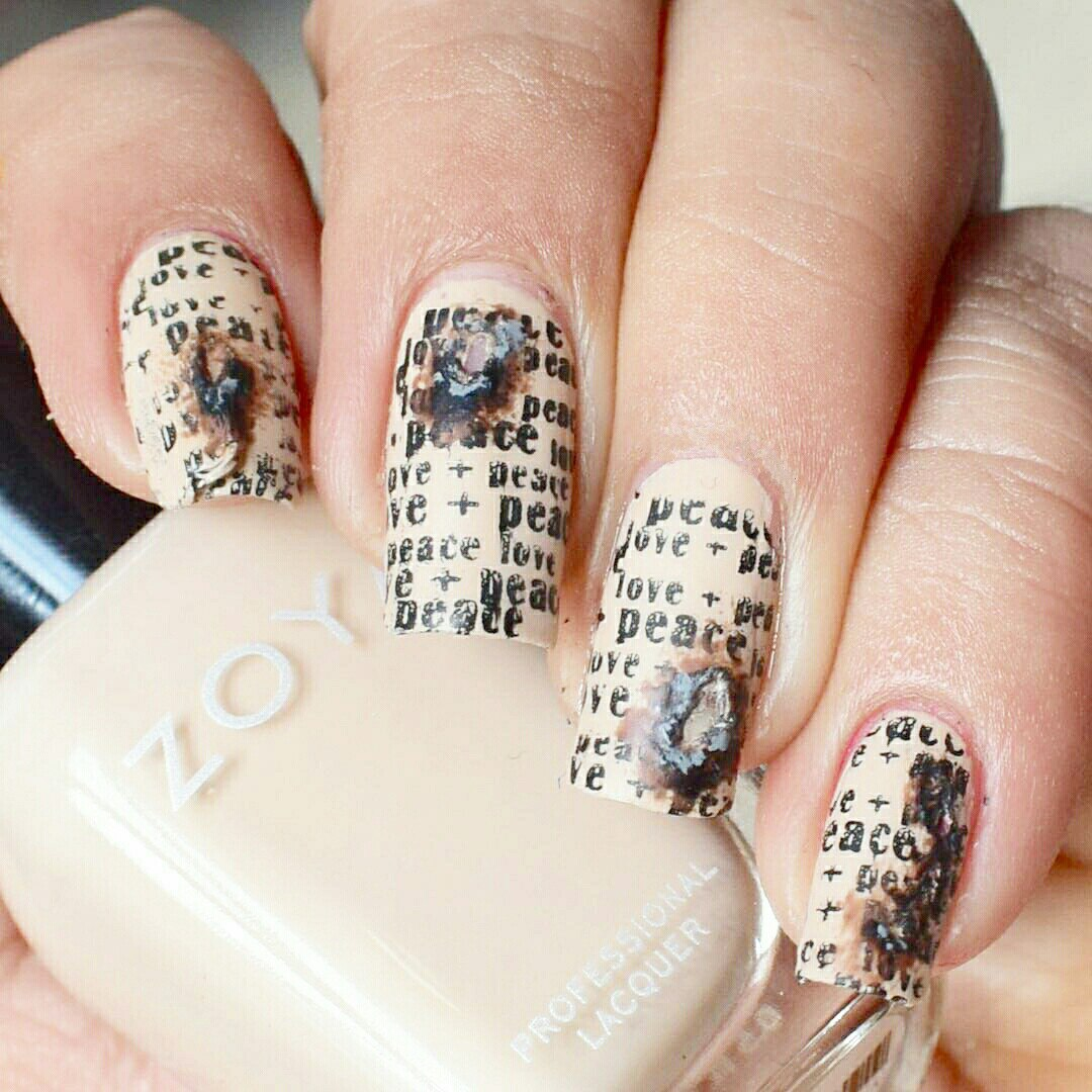 Newspaper Nail Art: Original Nail Design | LadyLife