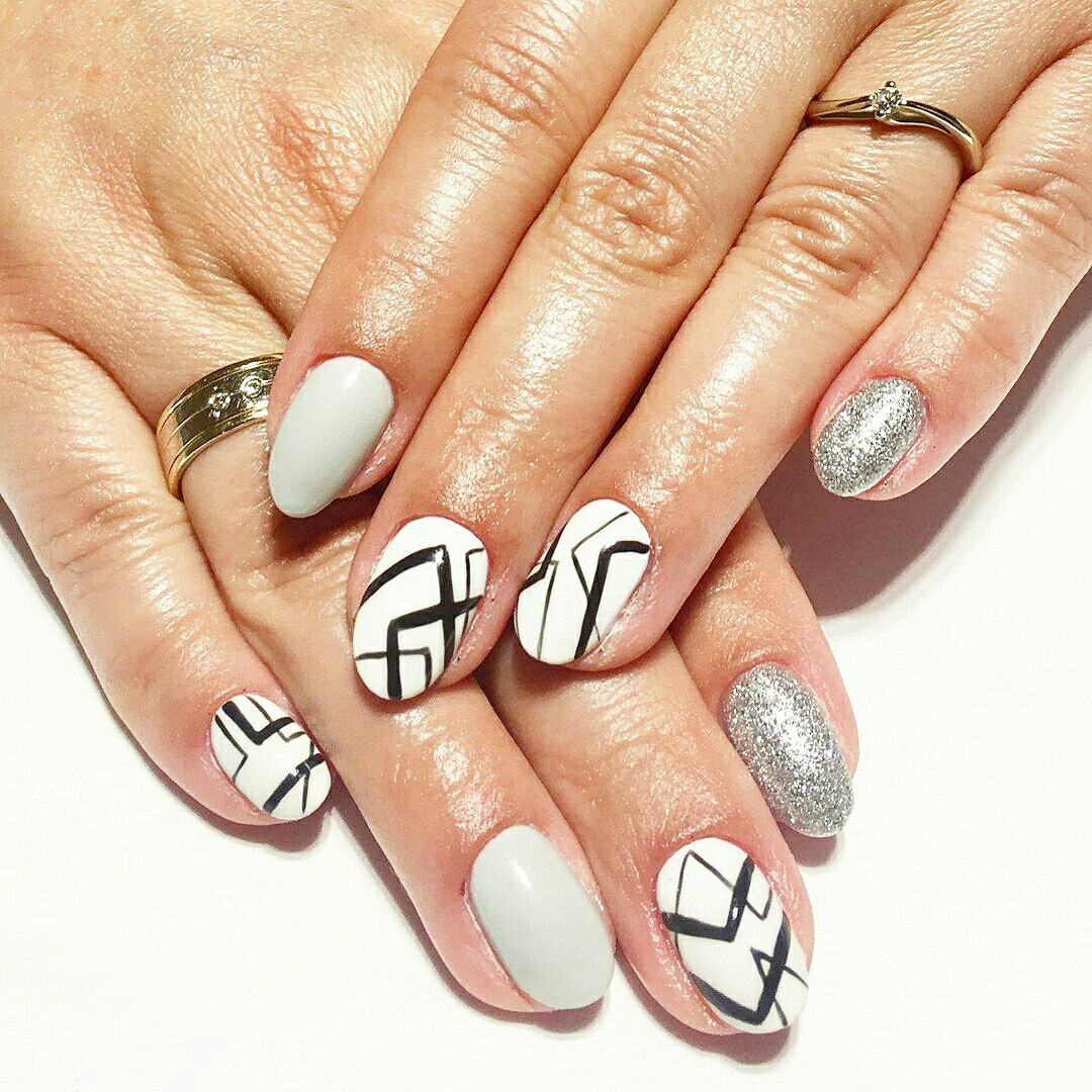We'll start with different ways of creating geometric nail designs. - Geometric Nail Art: Beautiful Design With Tutorial LadyLife