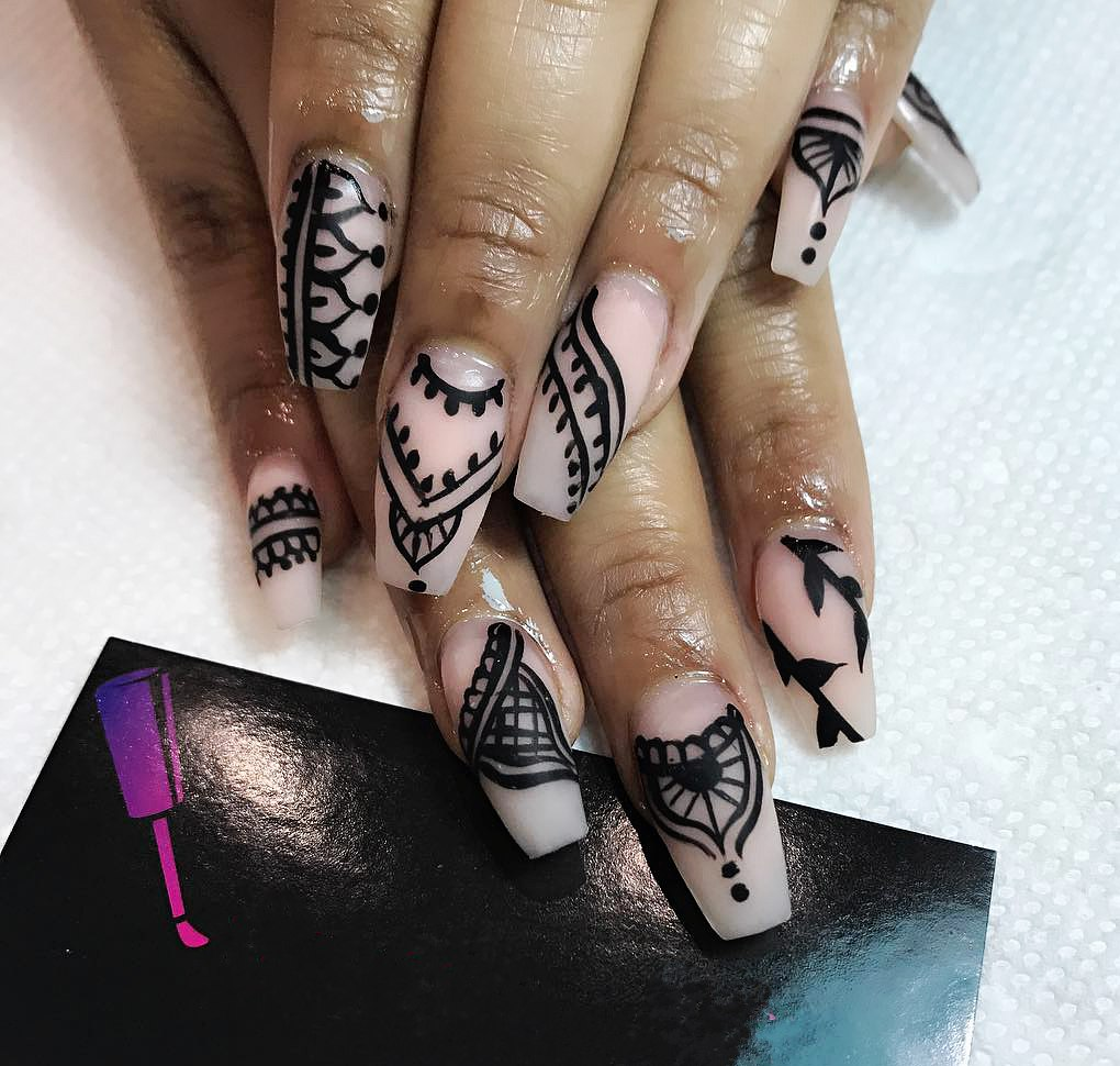 How To Apply Henna On Nails: Great Design With Tutorial