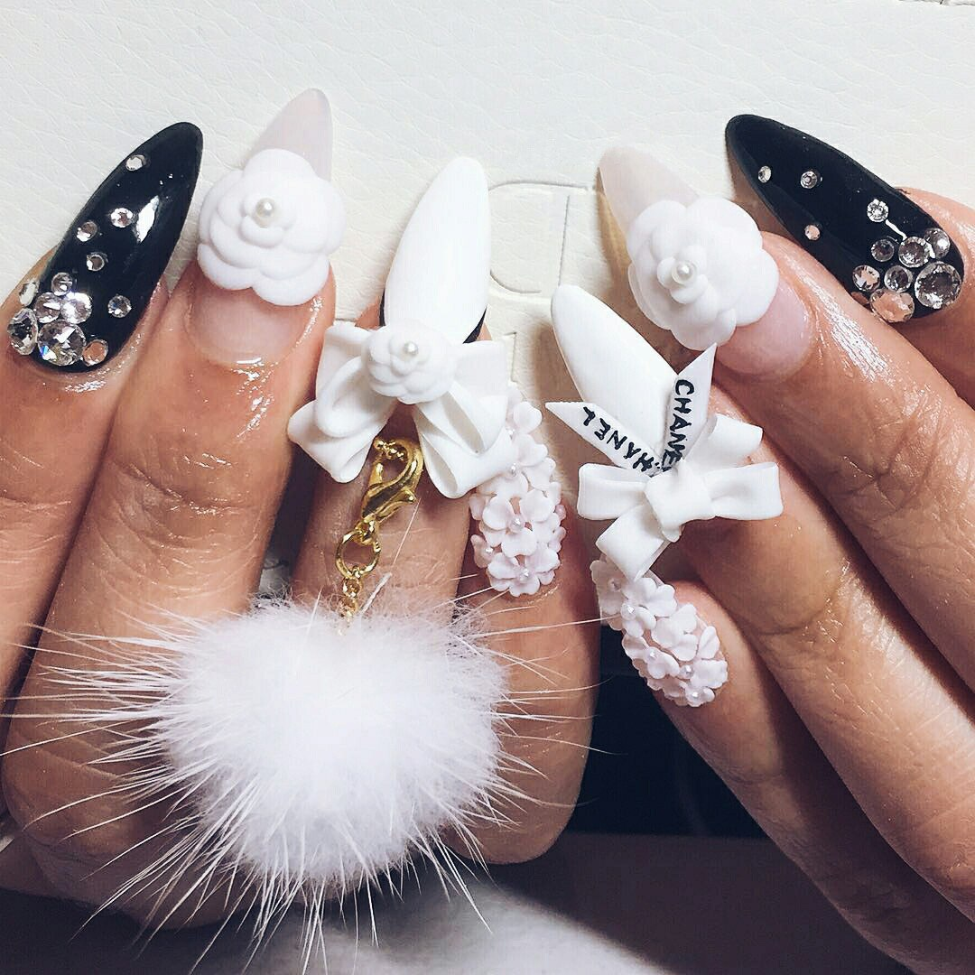 nails with 3d bows