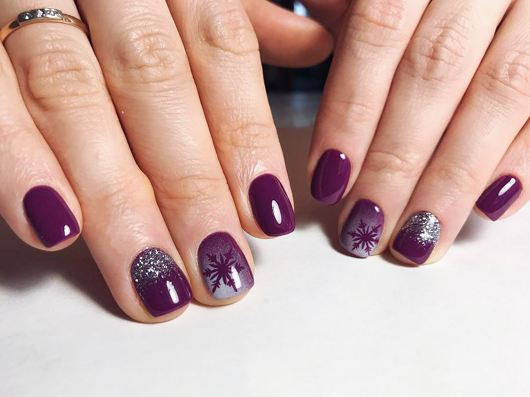 Snowflake nail art and design easy step by step tutorial ladylife if you are going to draw snowflake nail design according to the ombre technique dont forget of covering the skin around the nail plate with fat cream or prinsesfo Choice Image