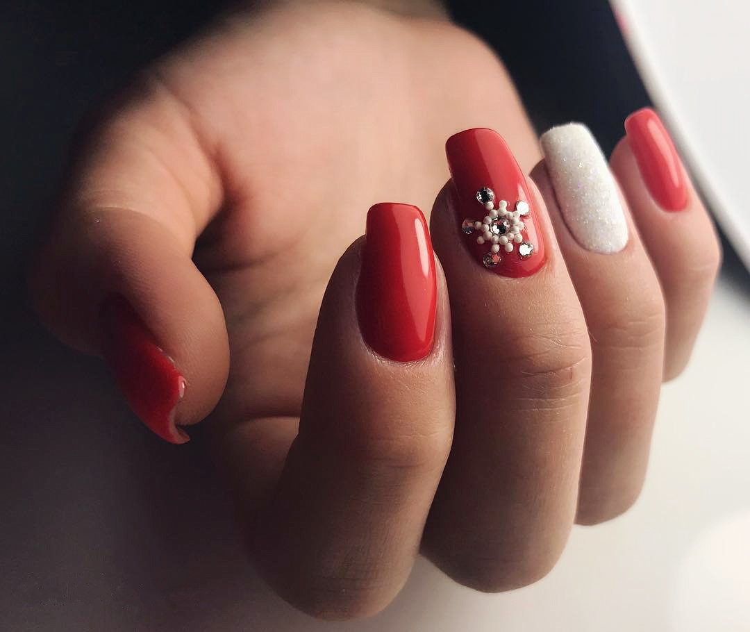 Snowflake Nail Art and Design: Easy Step-by-Step Tutorial | LadyLife