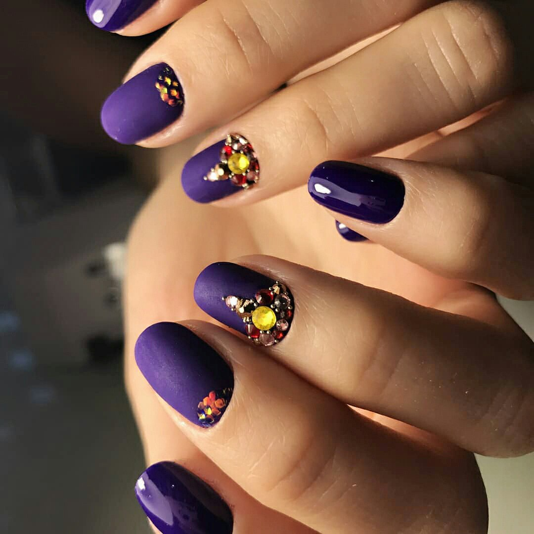 Winter nail designs 2017 2018 cute and simple nail art for winter kami fubuki it a hot trend growing in popularity these small sequins give an opportunity to create a really unique january nail art and designs prinsesfo Images