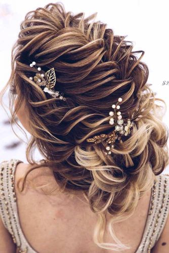 A Little Bit Messy Prom Hair Updos picture2