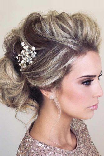 A Little Bit Messy Prom Hair Updos picture6