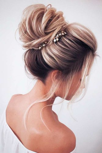 Amazing Updos for Elegant and Stylish Look picture 3