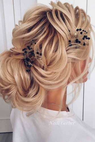Amazing Updos for Elegant and Stylish Look picture picture 1