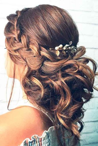 Fabulous Ideas of Homecoming Hairstyles for Long Hair picture 2