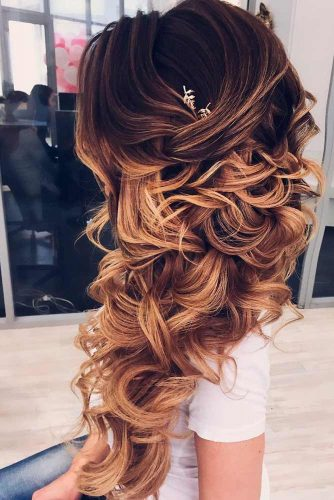 Fabulous Ideas of Homecoming Hairstyles for Long Hair picture 3