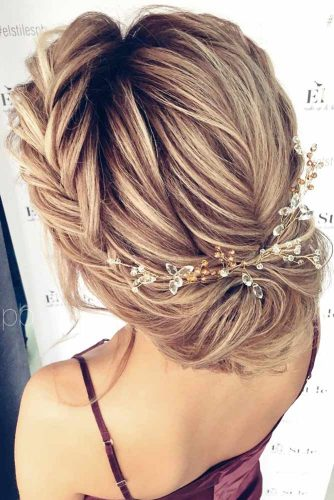 Hairstyles That Will Make You the Belle of the Ball picture3