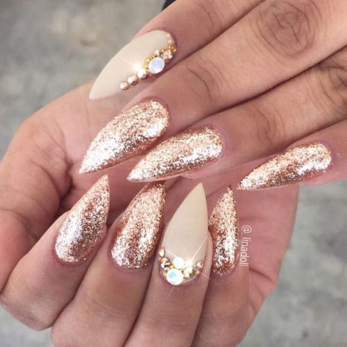 You'll look like you just stepped out of a fairy tale with these pretty  nails that look as if they were delicately dipped in a pot of gold glitter. - Stiletto Nail Designs: 24 Cute Stiletto Acrylic Nails Ideas LadyLife