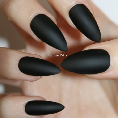 This Dark Black Matte Look Will Show Off Your Innermost Feeling Of Darkness And Gloom For A Totally Emo Vibe