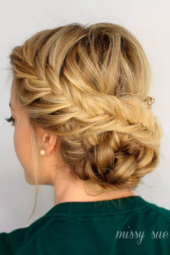 Nice Updos for Delicate Prom Look picture 5
