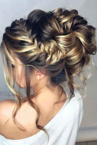 Nice Updos for Delicate Prom Look picture2