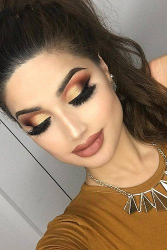 Perfect Prom Makeup with Eyeliner picture 1