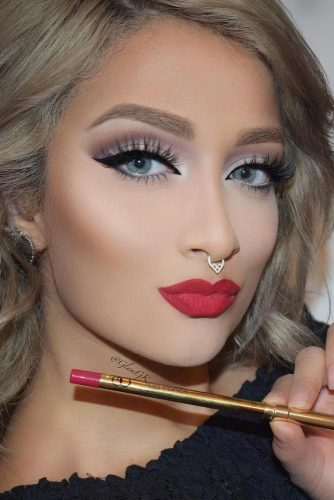 Perfect Prom Makeup with Eyeliner picture 6