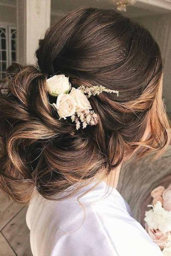 Trendiest Hairstyles for the Big Night picture3
