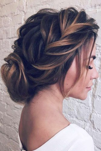 Trendiest Hairstyles for the Big Night picture6