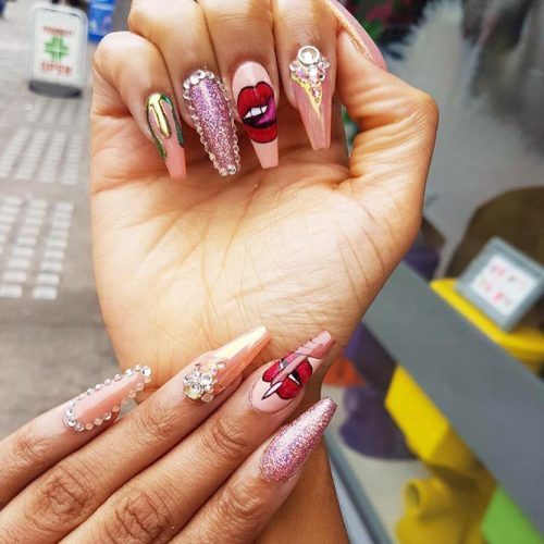 cute-nail-designs-coffin-shape-long-pink-glitter-shimmer-rhinestones-lips