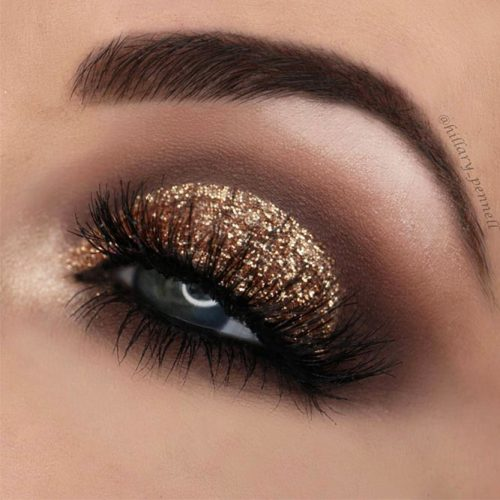 Party Gold Smokey Eyes Makeup