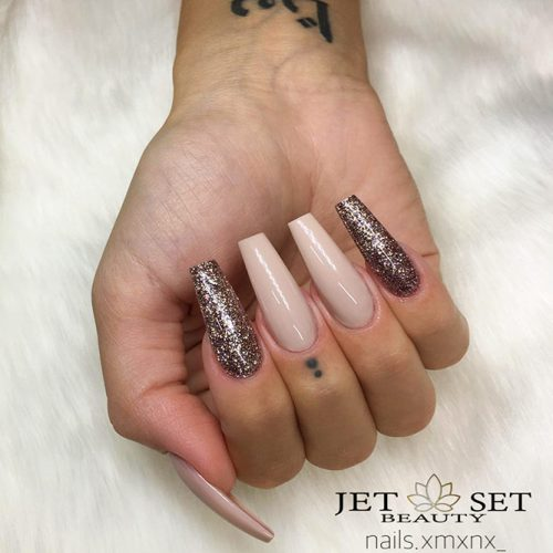 Beautiful Glitter Nude Nails Designs Picture 1