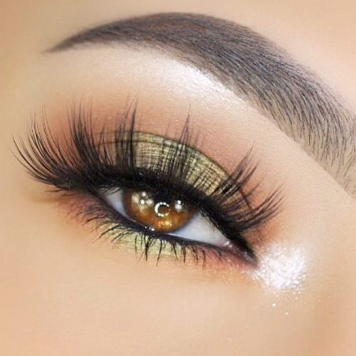 Festive Eye Makeup Ideas for Amber Eyes picture 2