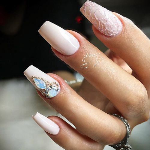 Nude Nails with Rhinestones Picture 4