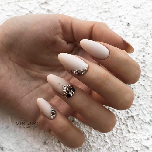 Nude Nails with Rhinestones Picture 5