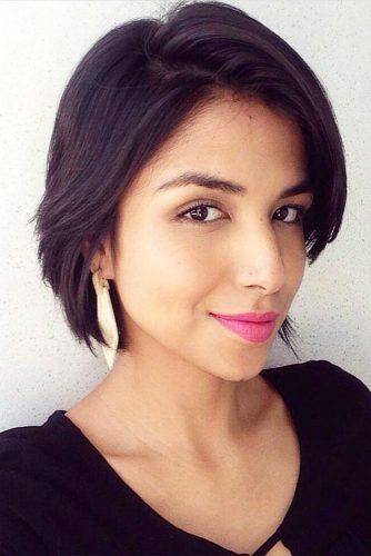Short Bob Haircuts with Natural Brown Colors Picture 2