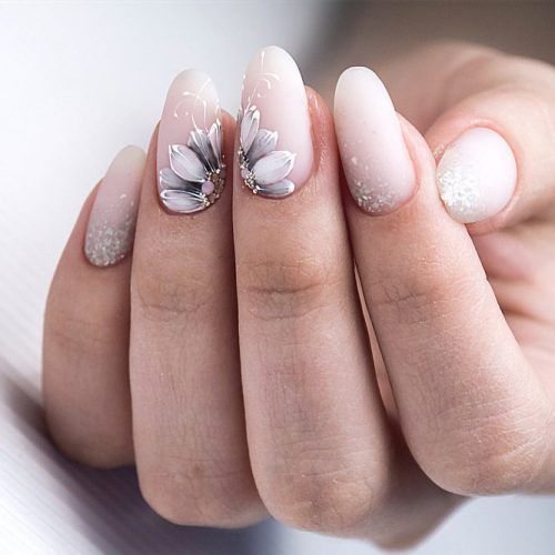 White Matte Nails With Flowers #patternednails #mattenails